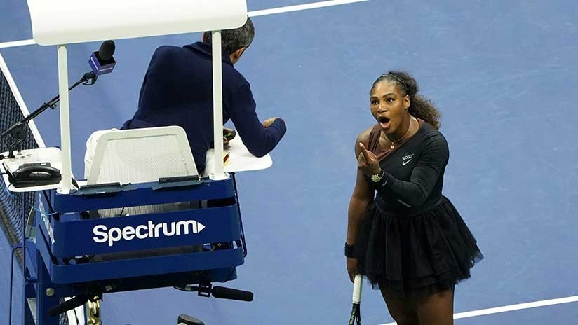 """""""Mentiroso y ladrón"""": Serena Williams insulta al juez y arma un escándalo en la final del US Open"""
