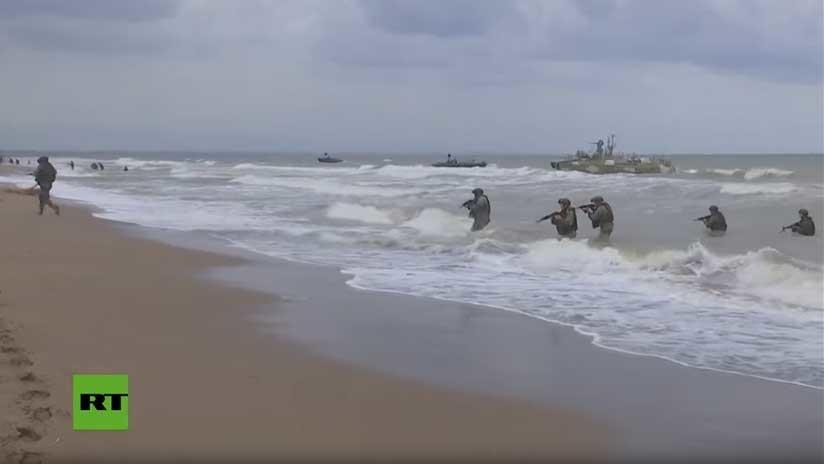 De película: Soldados rusos ensayan un desembarco en la costa siria (VIDEO)