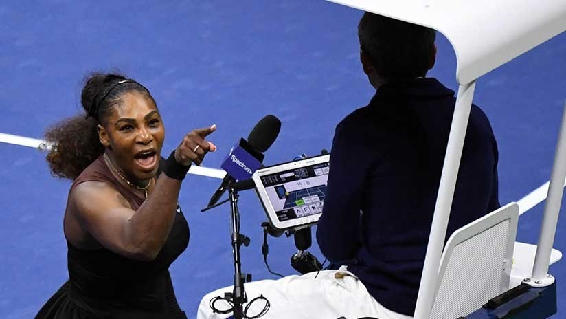 Multan a Serena Williams por su escandalosa conducta en la final del Abierto de EE.UU. (VIDEO)