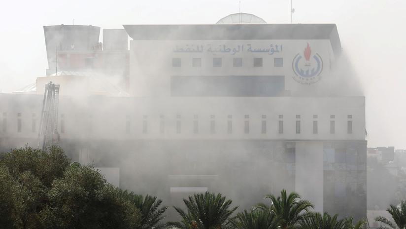 Atacan con explosivos la sede de la compañía petrolera nacional de Libia