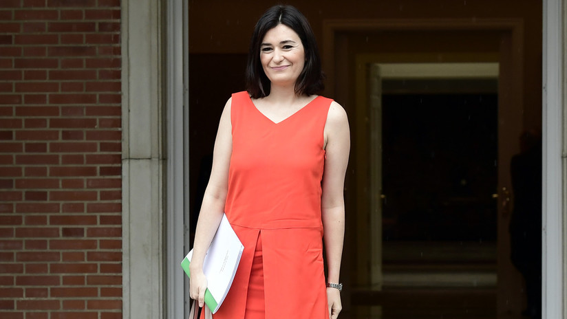 Denuncian irregularidades en el máster obtenido por la ministra de Sanidad española Carmen Montón