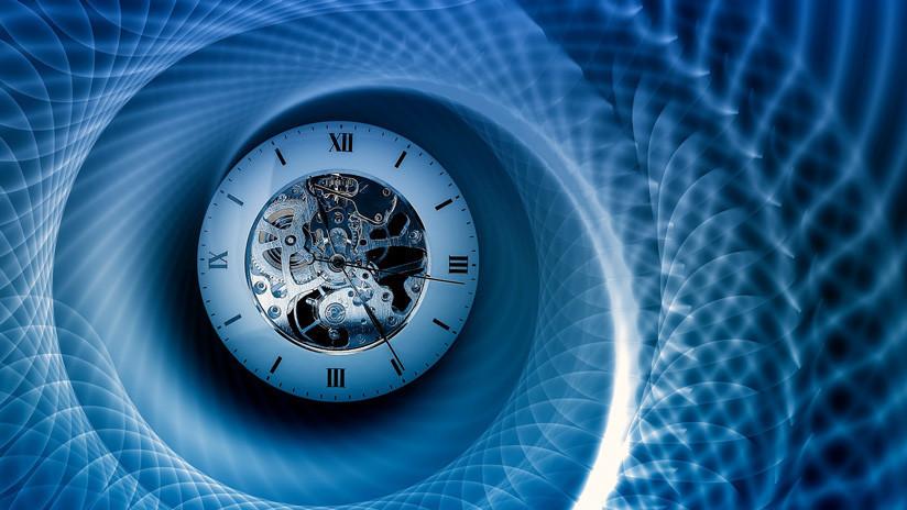 Crean un reloj con cristal de zafiro que no necesita ajustes en 40 millones de años