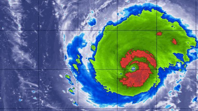 """Florence pasa a ser de categoría 3, pero aún es """"un huracán extremadamente peligroso"""""""
