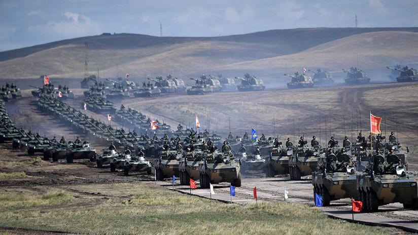 FOTOS, VIDEO: Rusia y China celebran un gran desfile militar durante las maniobras Vostok-2018