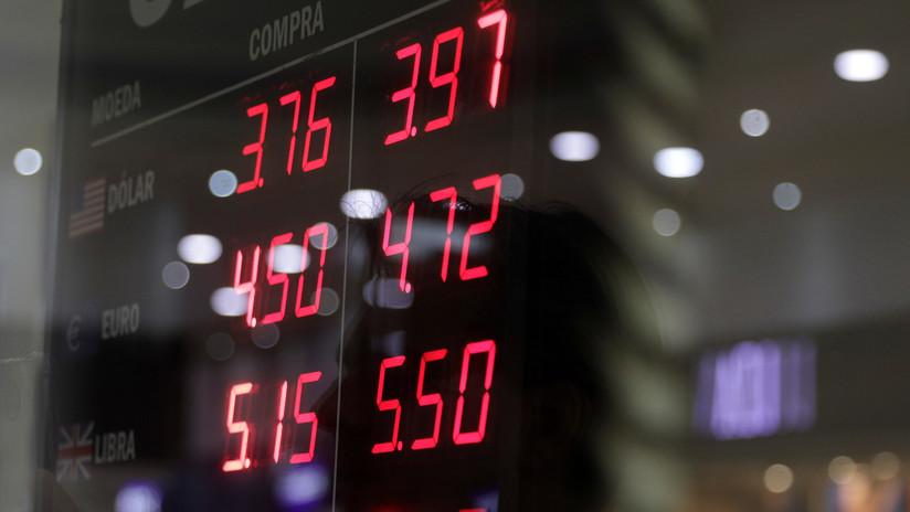 El real brasileño cae a un mínimo histórico frente al dólar estadounidense