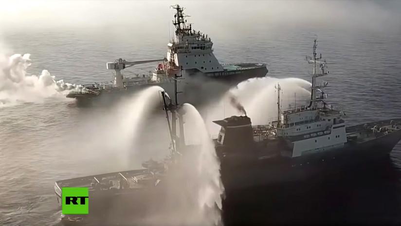 VIDEO: La Flota del Norte rusa rescata un barco 'en llamas' en ejercicios a gran escala Vostok-2018