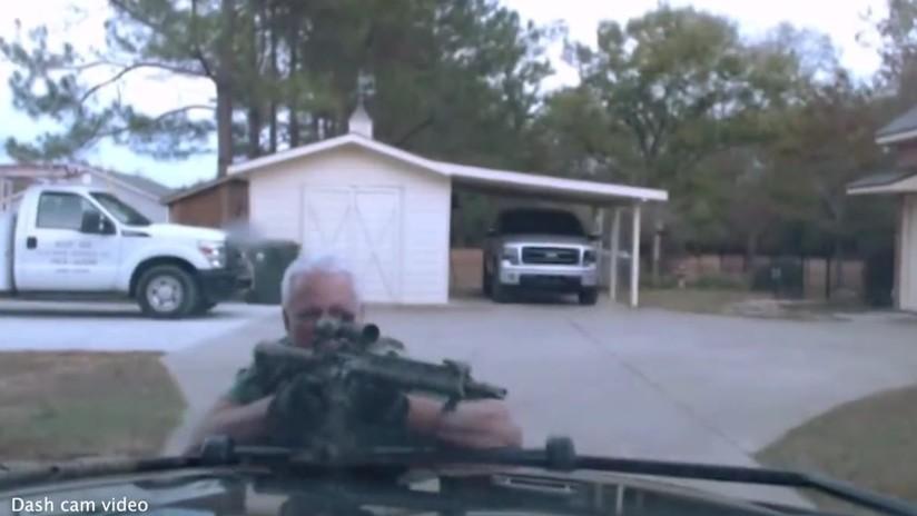 Publican video de balacera mortal entre policías y un exmarine armado con rifle de asalto en EE.UU.