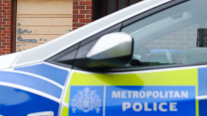 Reino Unido: Un coche atropella a varios peatones cerca de una mezquita