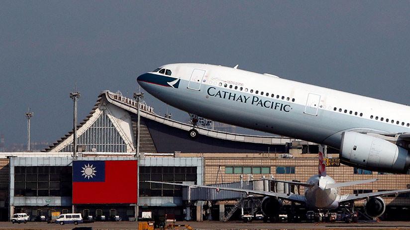 FOTOS: Aerolínea escribió mal su propio nombre en el fuselaje de avión