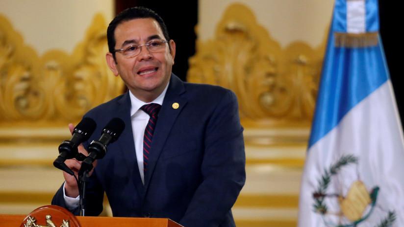 Marchan en Guatemala contra el presidente Jimmy Morales en medio de escándalos por corrupción