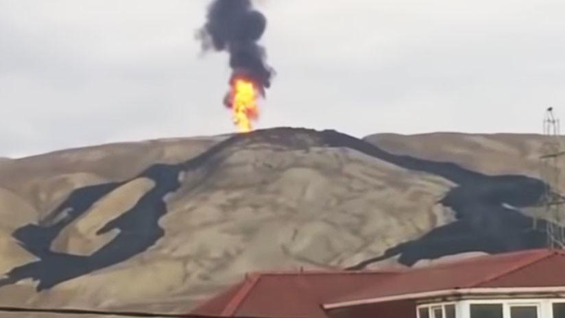 Video impactante: así entra en erupción un enorme volcán de lodo