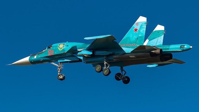 VIDEO: Bombarderos rusos Su-34 destruyen un grupo de buques con avanzados misiles