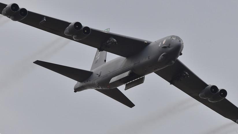 Bombarderos B-52 de EE.UU. sobrevuelan los mares de la China Oriental y Meridional