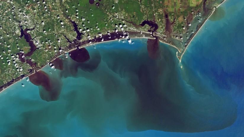 FOTOS: Ríos negros desembocan en el Atlántico en surrealistas imágenes de la NASA
