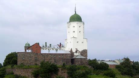 El castillo medieval en Vyborg, Rusia.