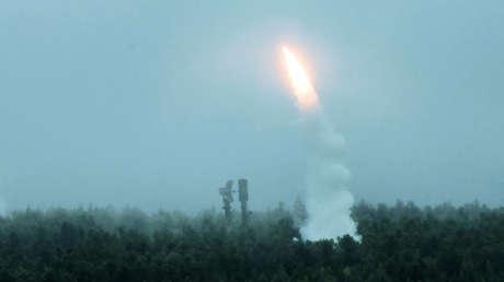 Lanzamientos de las tropas de defensa antiaérea en el marco de las maniobras Vostok-2018 en el polígono de Telemba en la República rusa de Buriatia, el 12 de septiembre de 2018.