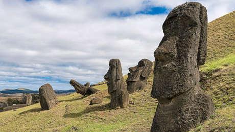 Imagen de los Moáis en la Isla de Pascua.