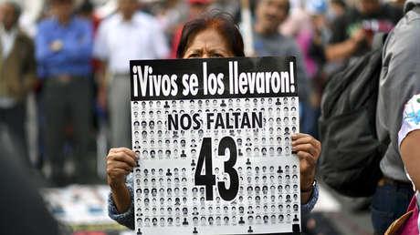 Protesta por la desaparición de los 43 estudiantes de Ayotzinapa. Ciudad de México, 26 de abril de 2018.