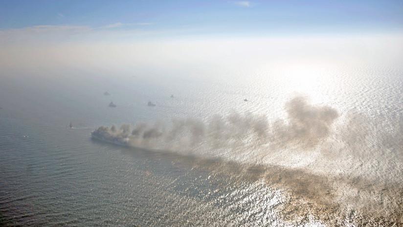 Un ferry con 335 personas a bordo sale ardiendo en el mar Báltico