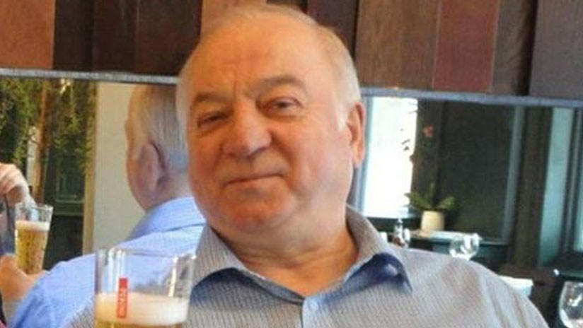 """Libro: Skripal no creía que Moscú lo envenenara y apoyaba """"la línea del Kremlin en muchos asuntos"""""""
