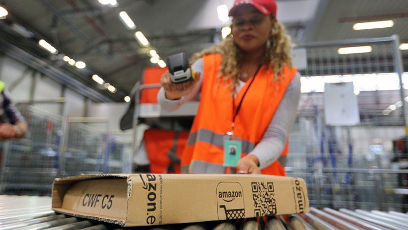 Amazon compensa el aumento salarial de sus empleados eliminando premios y bonos mensuales