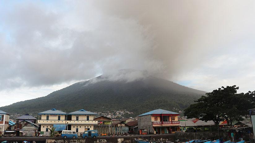 Indonesia: Se registra una segunda erupción de un volcán en 24 horas (FOTO)