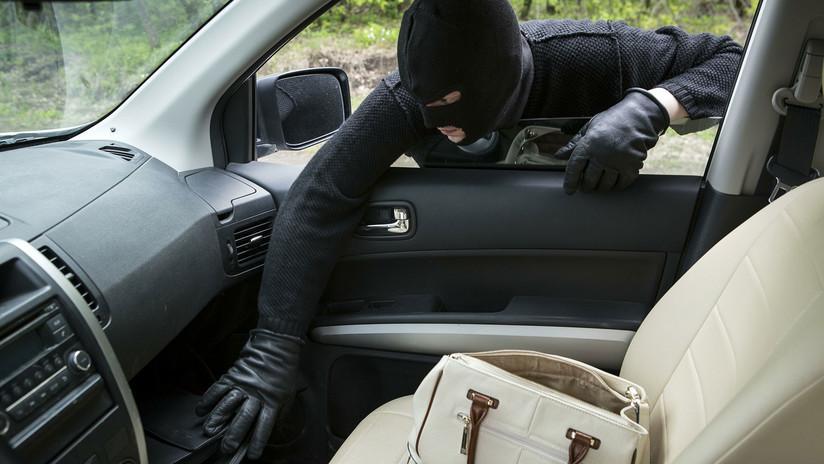 Reino Unido: Filman cómo dos ladrones logran robar un auto en menos de un minuto y sin llave (VIDEO)