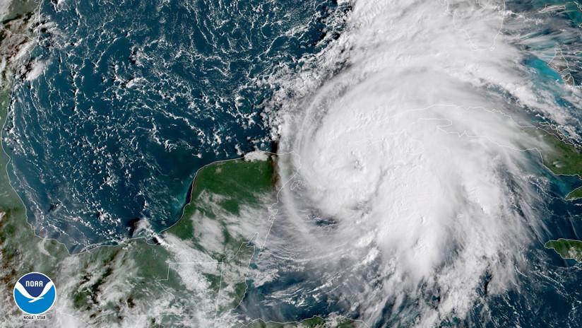 El huracán Michael se intensifica en el golfo de México y alcanza la categoría 2