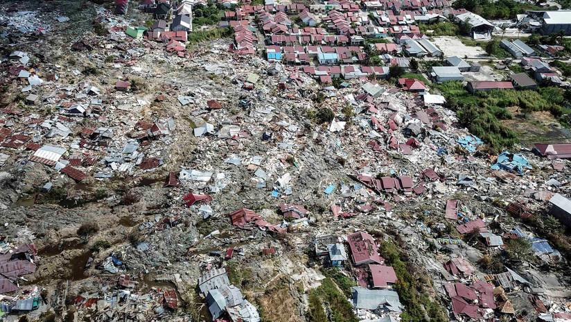 VIDEOS: Nuevas y crudas imágenes del potencial devastador del tsunami en Indonesia