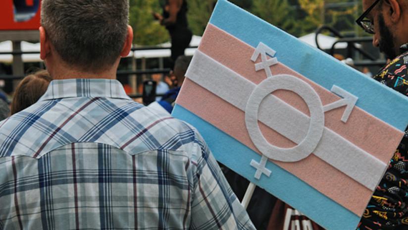 Género X: El alcalde de Nueva York firma una ley para introducir el tercer género en documentos