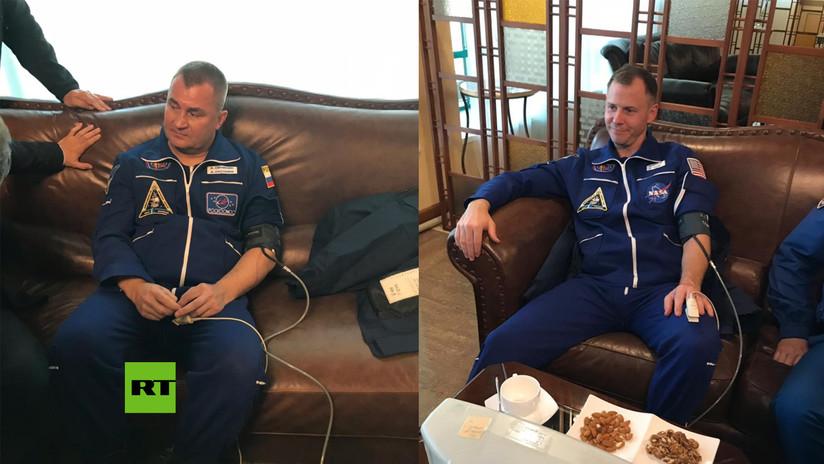 Primeras imágenes de la tripulación de la Soyuz después del aterrizaje de emergencia