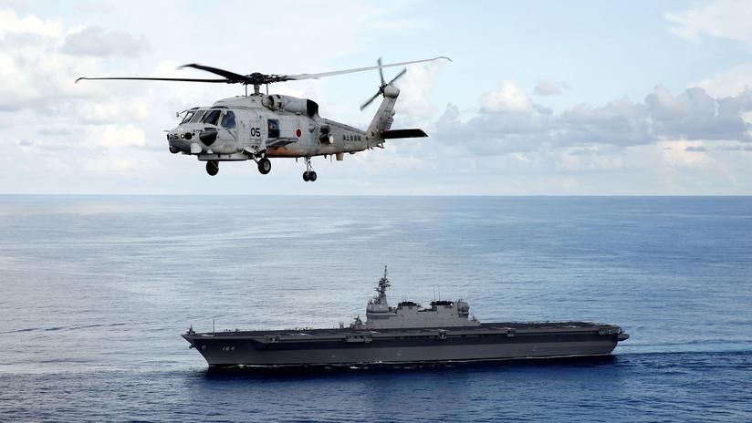 Así se prepara la tripulación de un portahelicópteros japonés para un ejercicio naval