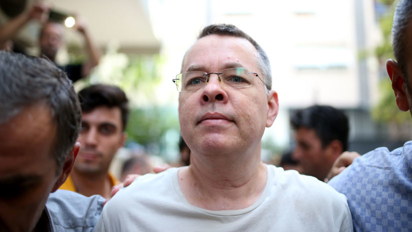 Liberan a pastor Brunson quien podrá regresar a EEUU — Turquía