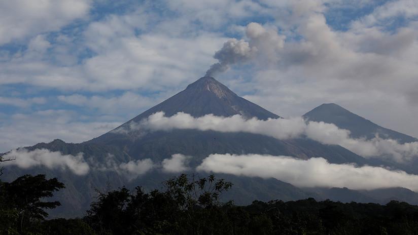 Guatemala: El Volcán de Fuego entra en erupción