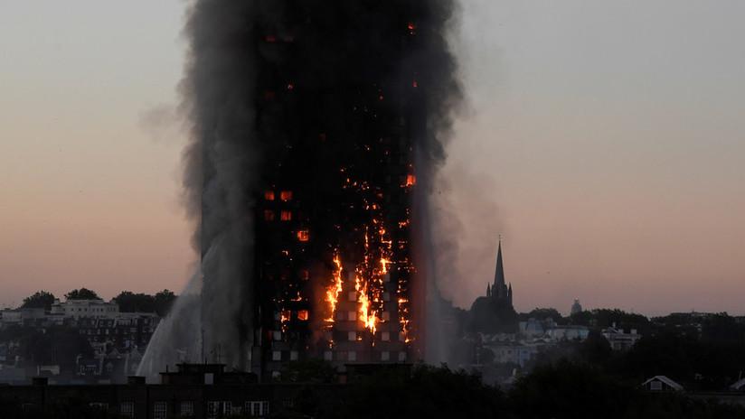 """Hallan """"enormes concentraciones"""" de potenciales carcinógenos cerca de la torre incendiada en Londres"""