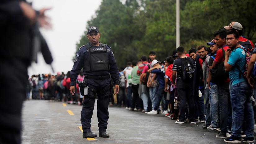 Miles de migrantes esperan que México les permita el paso
