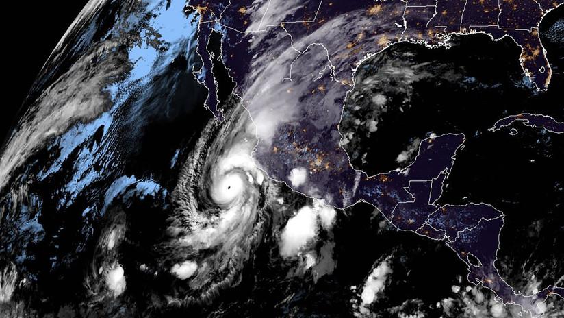 """Amenaza para México: El """"potencialmente catastrófico"""" huracán Willa alcanza la categoría 4"""
