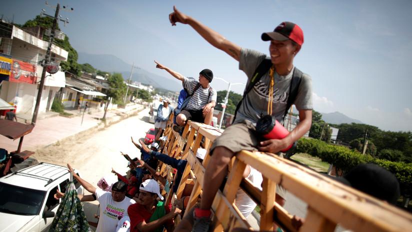Los centroamericanos integrantes de la caravana migrante votan en contra del plan de Peña Nieto