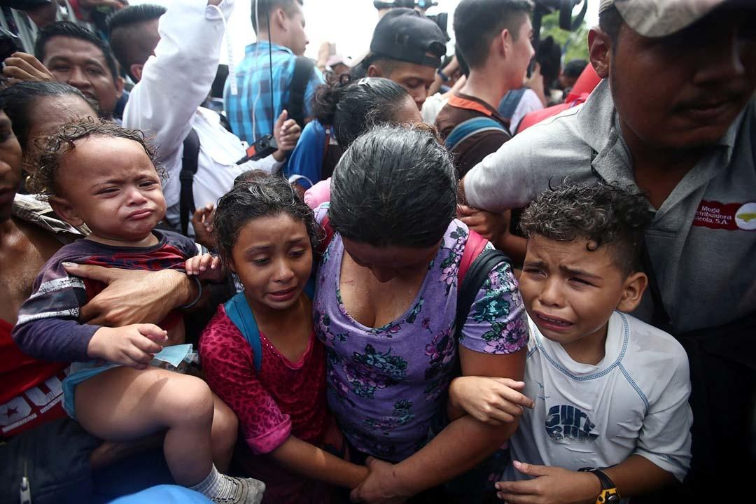 Varios miles de inmigrantes Hondureños rumbo a EEUU 5bca5b55e9180f87198b4571