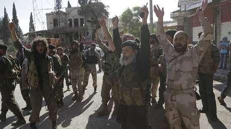 Miembros del Frente al Nusra en Arihah (Idlib, Siria), el 29 de mayo de 2015.