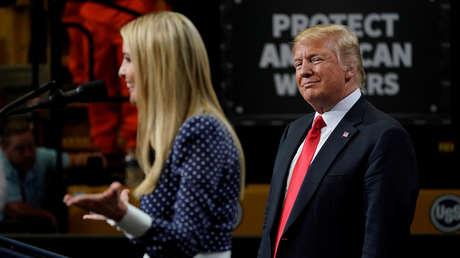 Donald e Ivanka Trump durante un evento en Illinois, el 26 de julio de 2018.