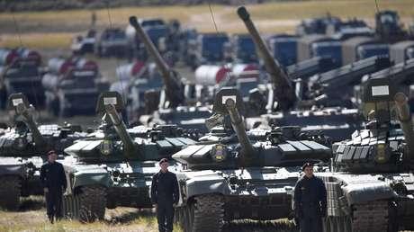 Tanques rusos  Т-72Б3 durante las maniobras Vostok 2018