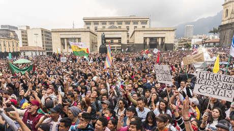 Vista de la Plaza de Bolívar de Bogotá, durante la marcha de estudiantes universitarios de Colombia.