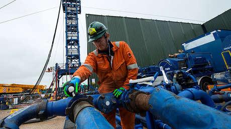 Un ingeniero de Cuadrilla Resources en Preston New Road, Lancashire, Reino Unido, el 5 de octubre de 2018