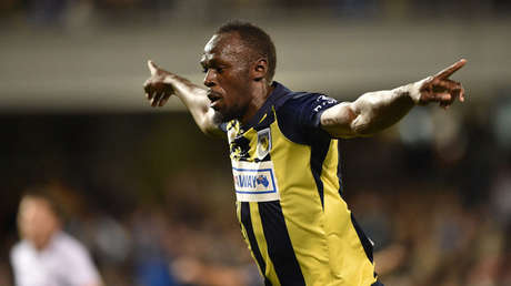 Usain Bolt vuelve a hacer historia: marca sus primeros dos goles como futbolista (FOTOS Y VIDEOS)