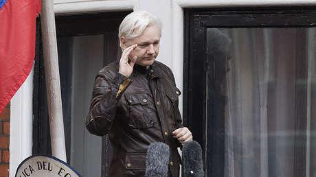 Julian Assange en la Embajada de Ecuador en Londres, el 15 de mayo de 2017.