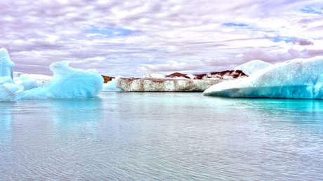 Icebergs en la laguna glaciar Jökulsárlón.