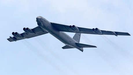 Un bombardero B-52.