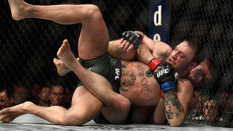 Momento de la pelea entre Conor McGregor y Khabib Nurmagomédov en la velada del UFC 229, Las Vegas, EE.UU., 6 de octubre de 2018.