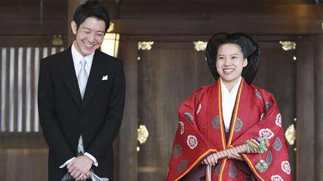 La princesa Ayako y su esposo Kei Moriya, en Tokio, Japón, el 29 de octubre de 2018.